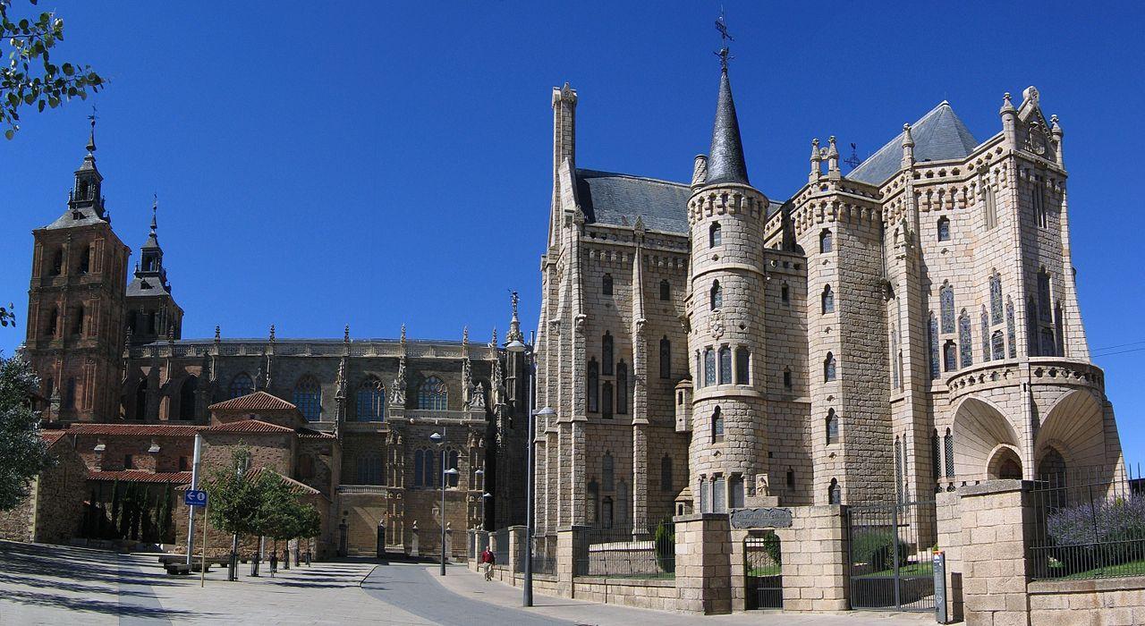 Catedral y Museo Gaudí (Astorga)